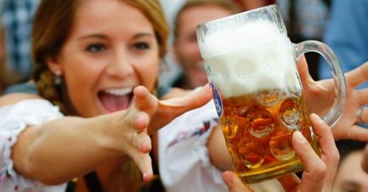 Cover-La-cerveza-debe-beberse-en-vaso