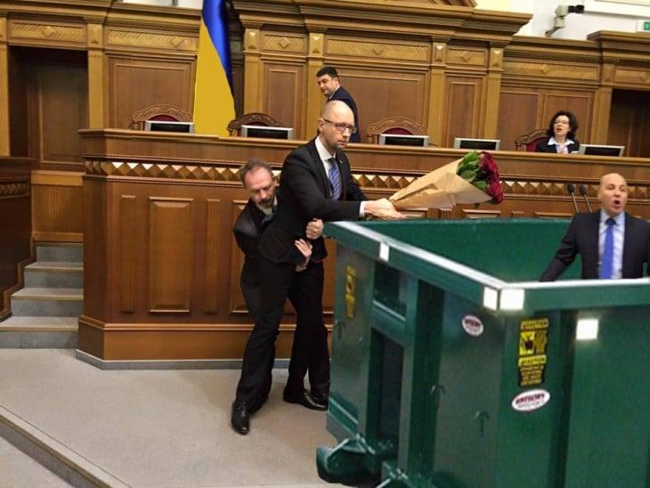 photoshop parlamento ucraniano basura