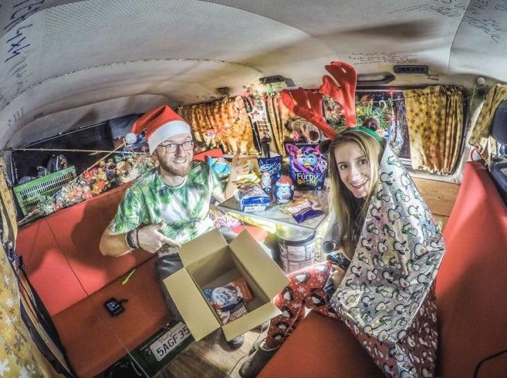 pareja de polonia en navidad