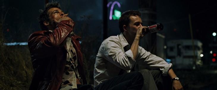 Escena película Club de la Pelea tomando cerveza