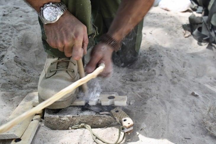 Cómo encender fuego sin cerillos