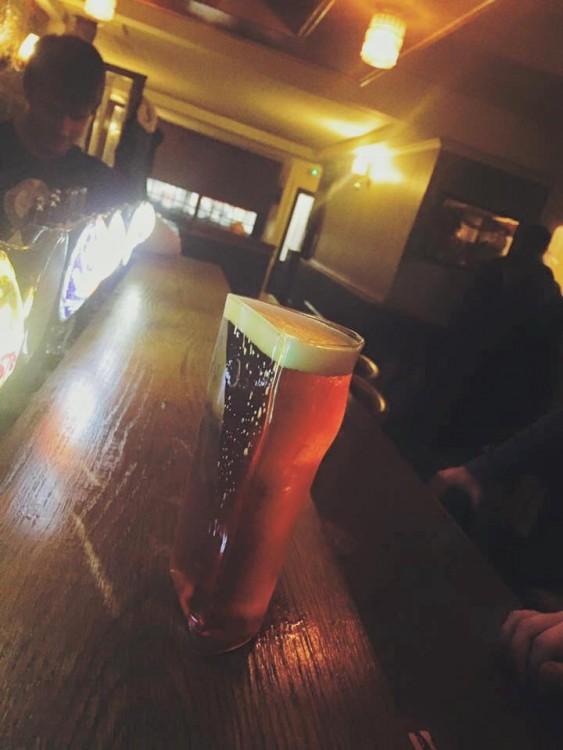 vaso de cerveza ideal para una media pinta de cerveza en un bar de Irlanda