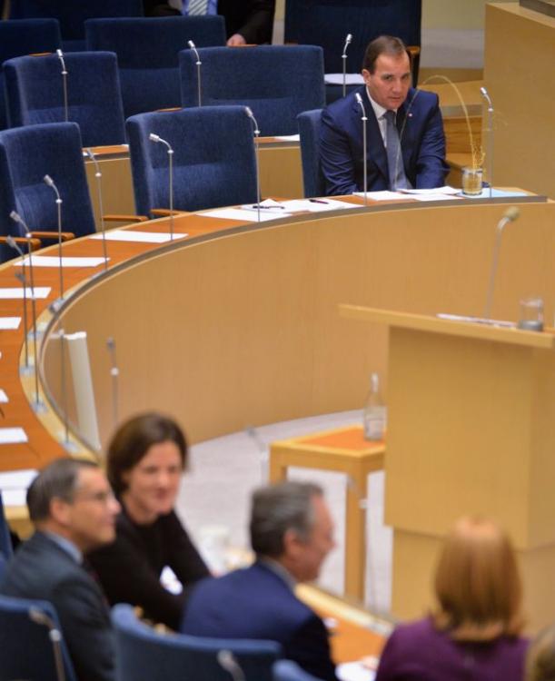 photoshop Primer Ministro de Suecia orinando