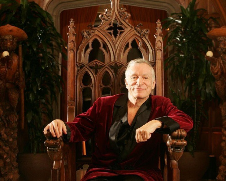 HUGH HEFNER EN LA MANSION