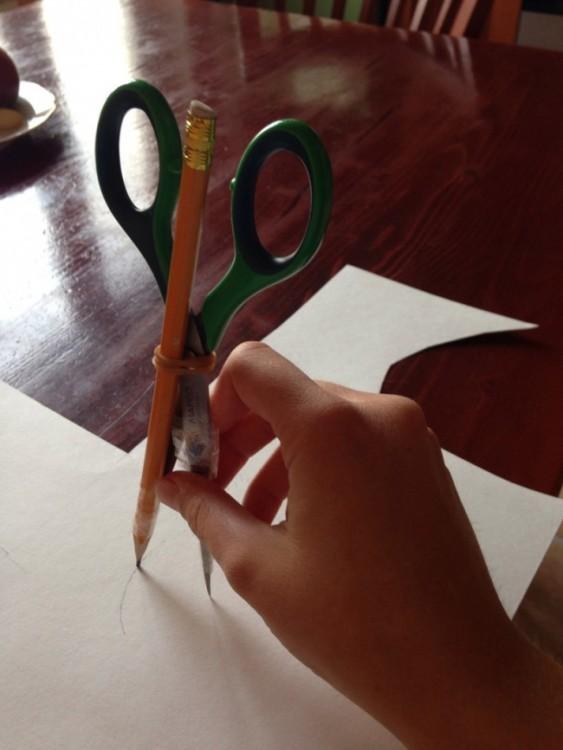 tijeras y lápiz, compás