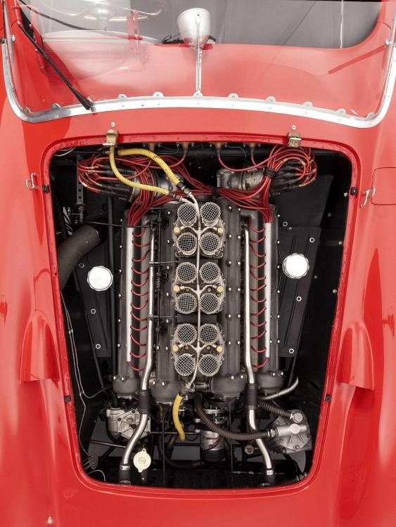 Motor Ferrari 335 S Spider Scaglietti