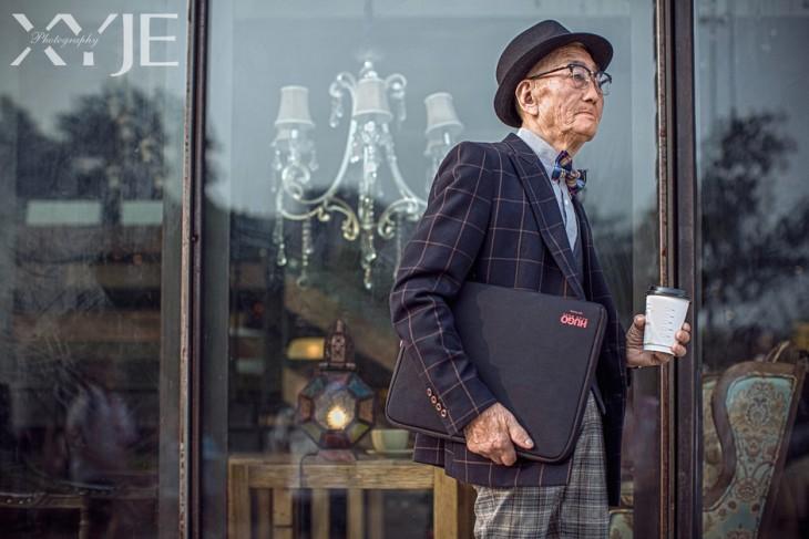 Abuelo agricultor a la moda