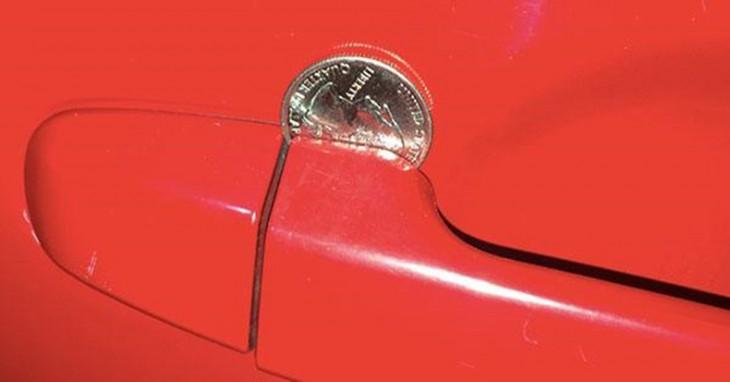 Moneda en manija, truco para robar autos