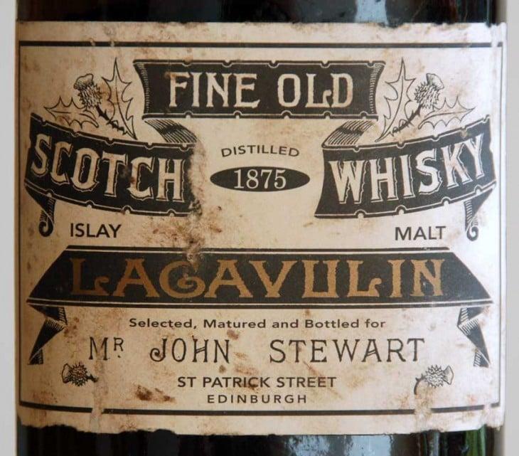 Etiqueta antigua de marca de whisky