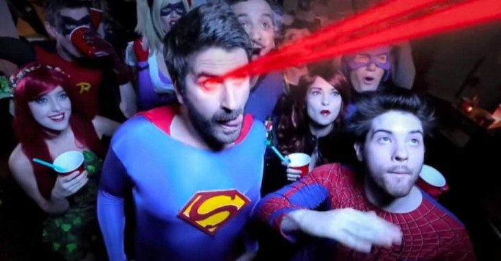 Cover-Si-los-Superhéroes-hicieran-su-versión-de-la-película-'¿Qué-pasó-ayer'