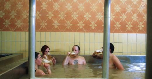 Cover-Tu-viaje-al-Paraíso-¡Una-piscina-de-Cerveza!