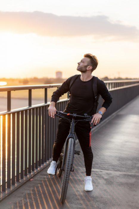 desafios hombre bicicleta