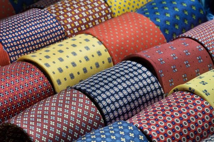 Corbatas con distintos tipo de estampado