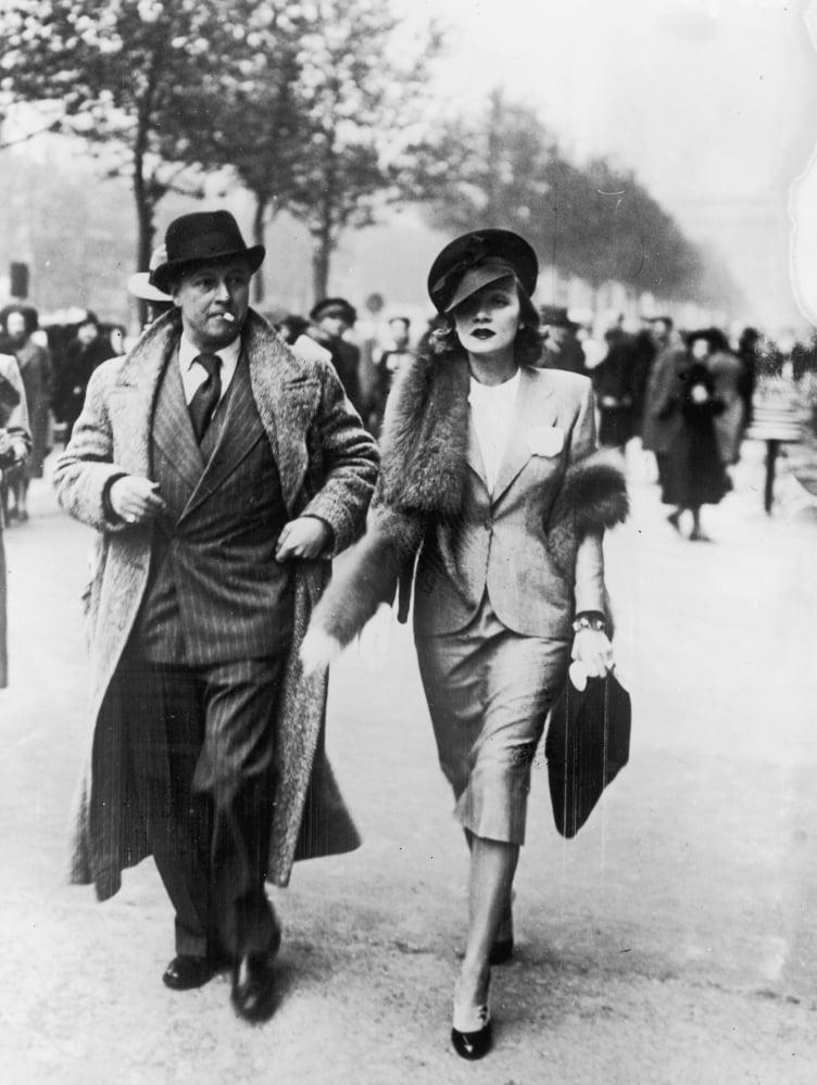 Caballeros De 1930 Mostraban Su Estilo En Calles De Eu