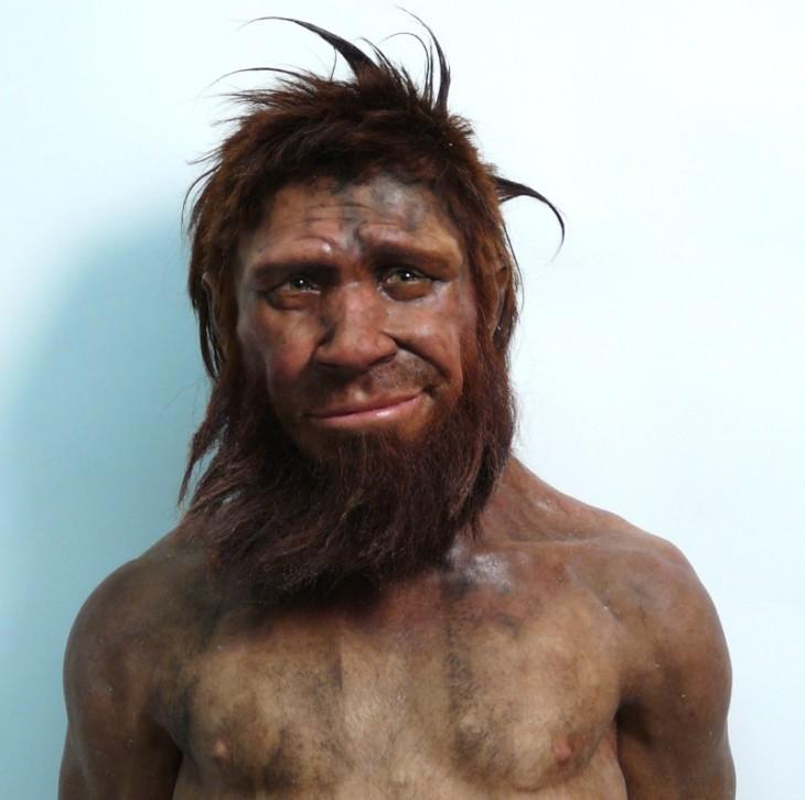 Foto de Neanderthal desata Batalla de Photoshop