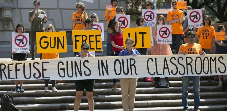 Manifestación por uso de armas en Universidad de Texas
