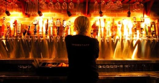 Cover-Compañía-te-pagará-12,000-dólares-por-viajar-y-tomar-cerveza