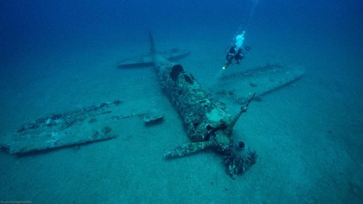 Avión encontrado bajo el mar
