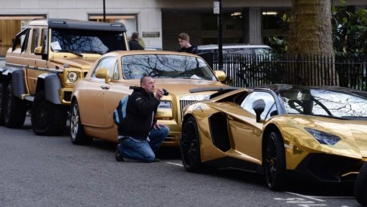 autos dorados