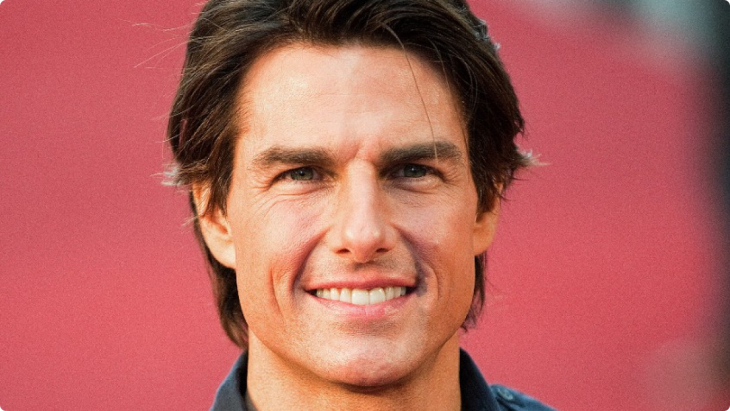 Tom Cruise sonríe