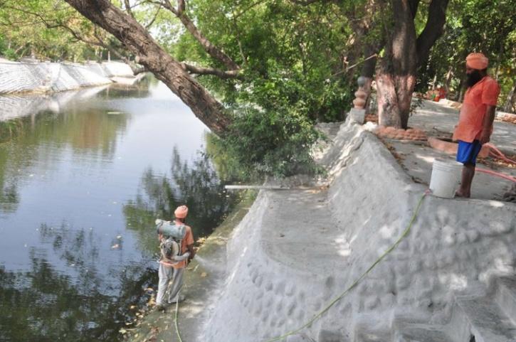 rio limpio de la india