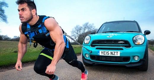 Cover-Este-hombre-hizo-un-maratón-de-42-K,-¡arrastrando-un-auto!