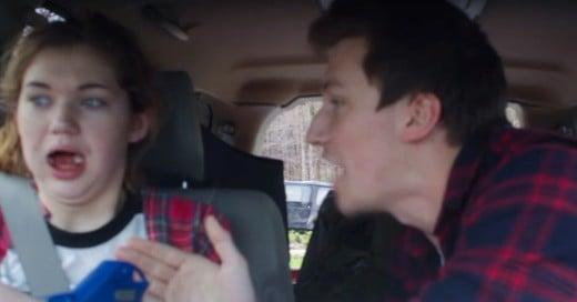 Cover-VIDEO-¿La-mejor-broma-¡Convencen-a-su-hermana-que-está-en-una-Guerra-Zombie!