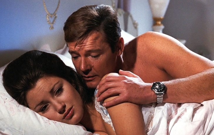 James Bond utilizando un Rolex