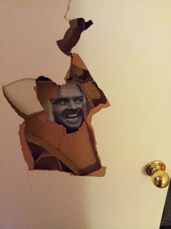 Puñetazo en la puerta arreglado
