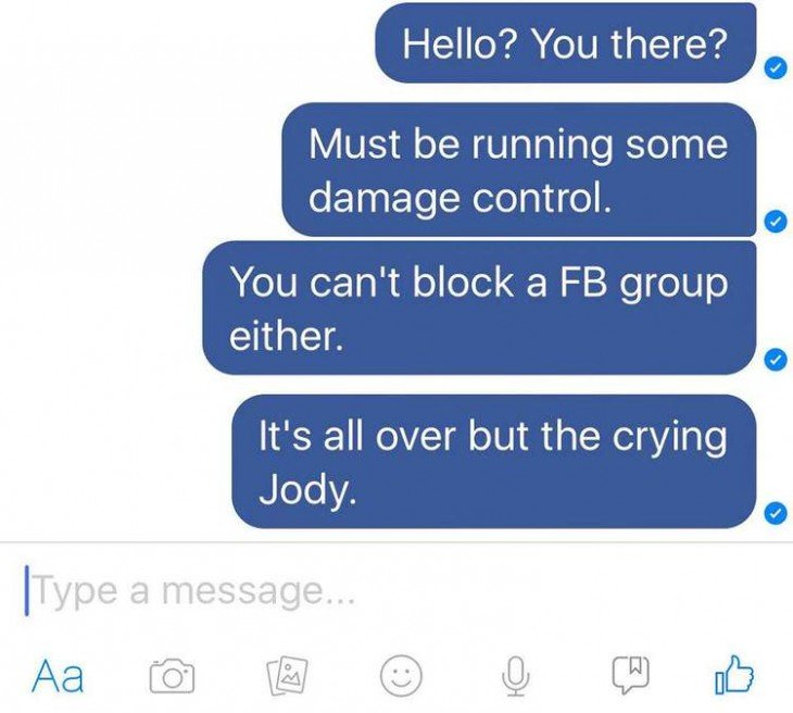 Capturas de pantalla de una conversación en 5 Bravo