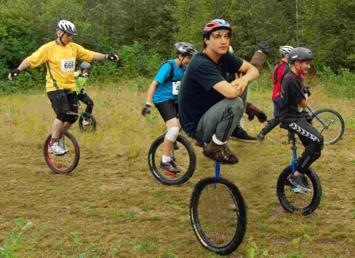 photoshop keanu monociclo