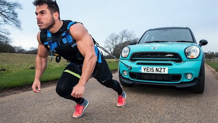 Ross Edgley realizó el maratón más fuerte del mundo
