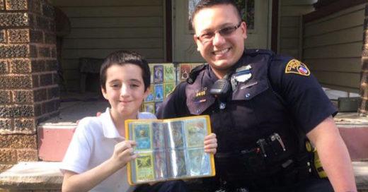 Cover-Policia-le-obsequia-coleccion-de-pokemon-a-un-niño