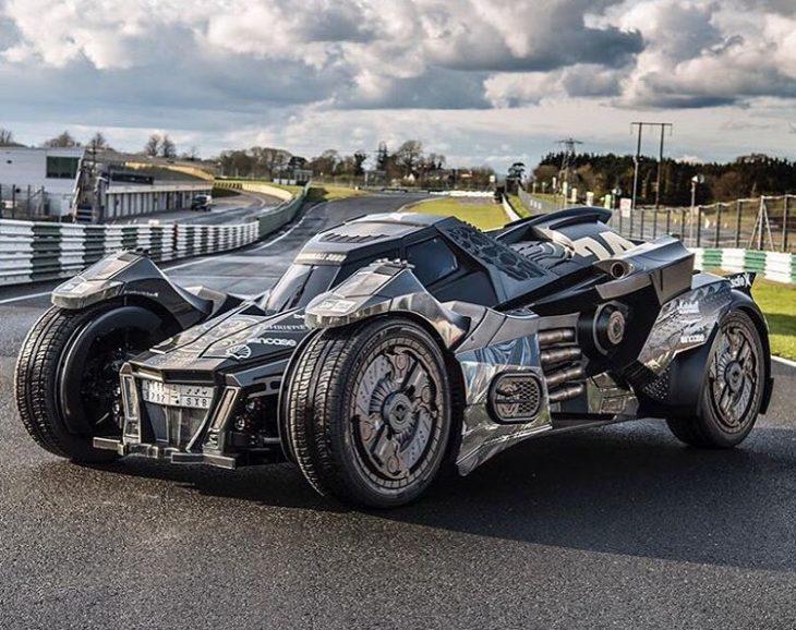 Lamborghini convertido en Batimóvil