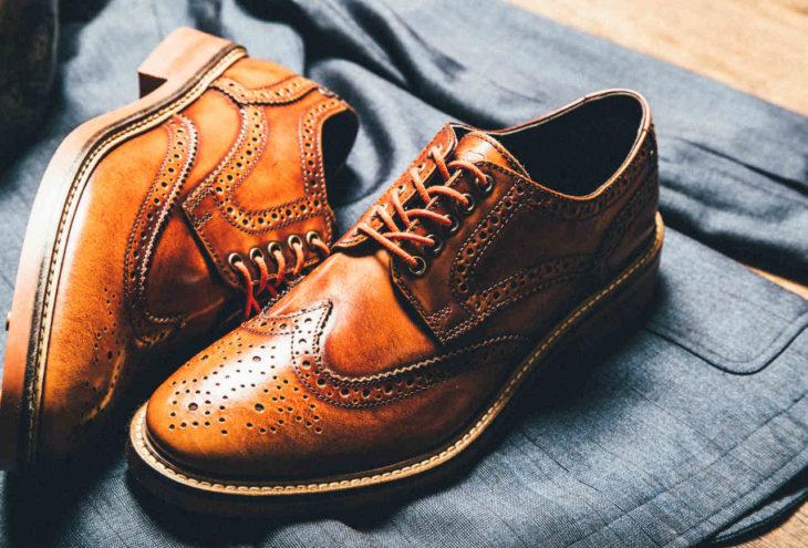 zapatos cafés