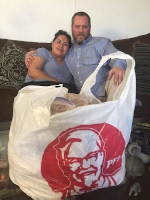 Boda con pollo KFC de menú