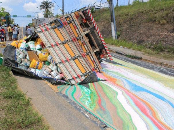 camio tira pintura