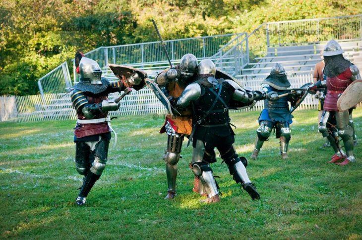 Recreación de lucha medieval