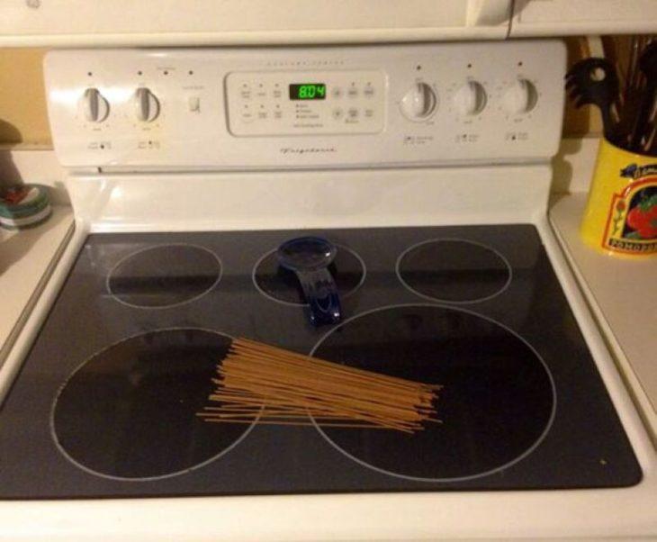 espagueti en la estufa