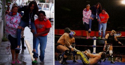 #LadyReportera; Va a cubrir las inundaciones en Puebla y pide que la carguen para que no se moje