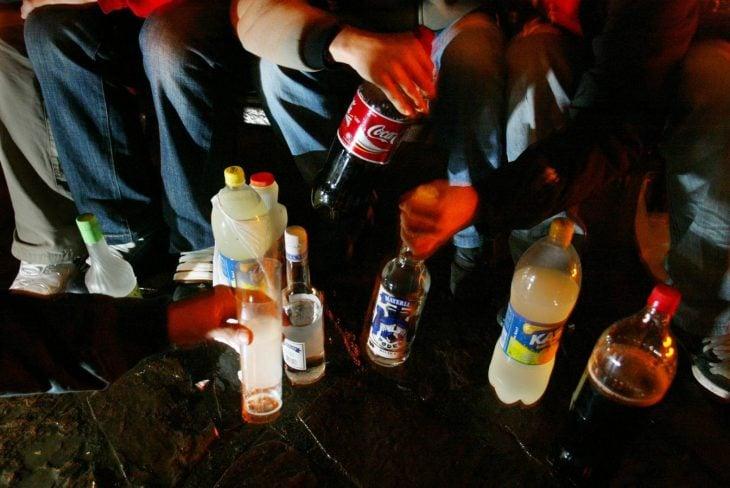 Bebiendo en la calle