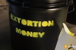 leyenda extortion money