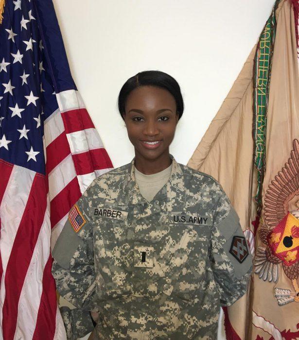 desahauna barber militar uniforme