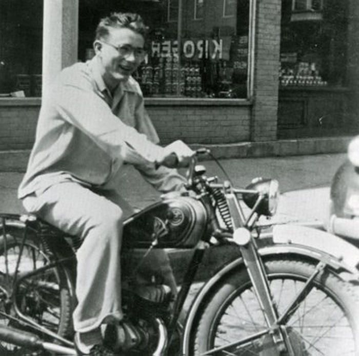 james dean en moto