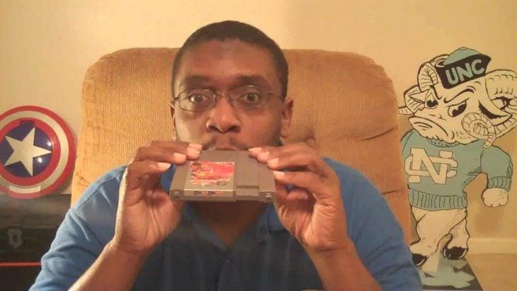 ¿Funcionaba soplar los cartuchos de Nintendo?