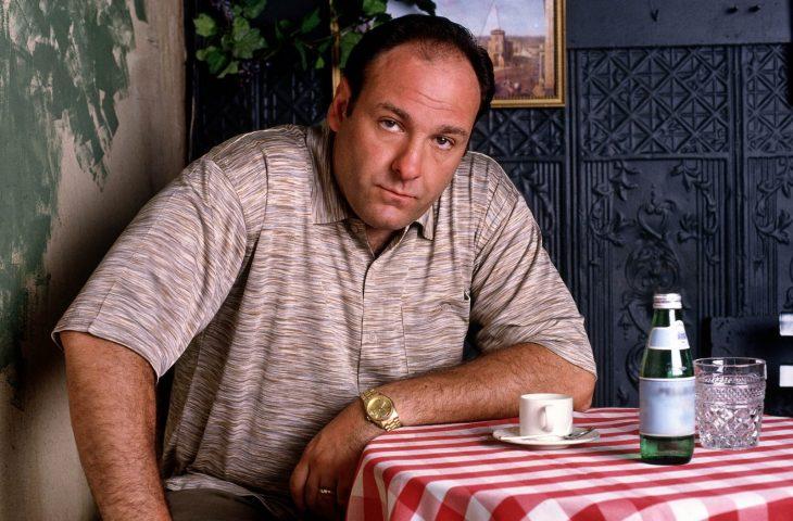 Tony Soprano bebe café