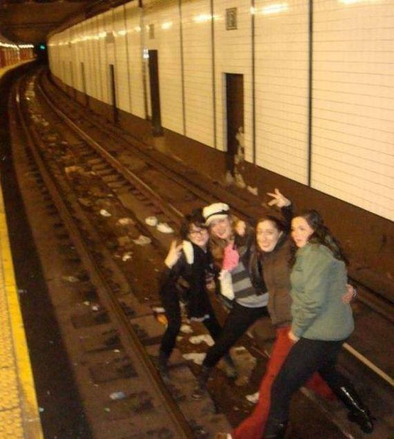 Foto en vía del metro