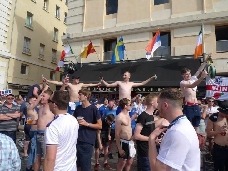 drinking people bar euro 2016