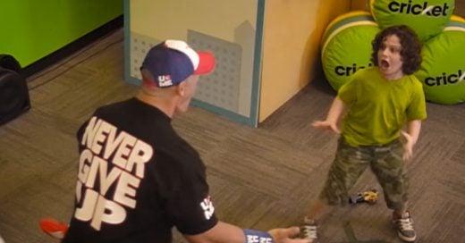 John Cena sorprende a sus fans con mariachi en Épica Broma con su Meme 'Unexpected John Cena'