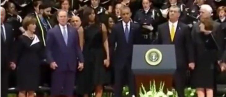 George Bush en funeral de policías